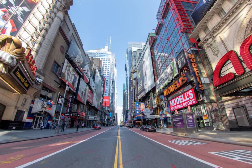 Nowy Jork walczy o turystów. Oferuje darmowe szczepienia /AFP