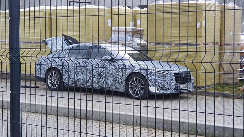 Nowy Mercedes klasy S w... Mielcu / Fot: Czytelnik /