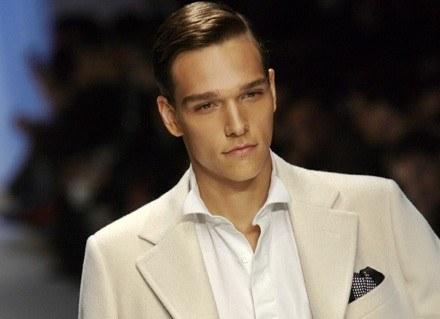 Nowy mężczyzna wg Valentino /AFP