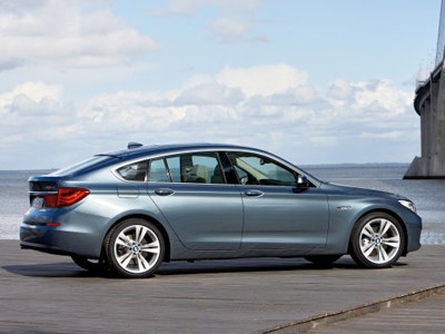 Nowy model ma w sobie coś z coupé, trochę z limuzyny, sporo z vana.  /materiały prasowe