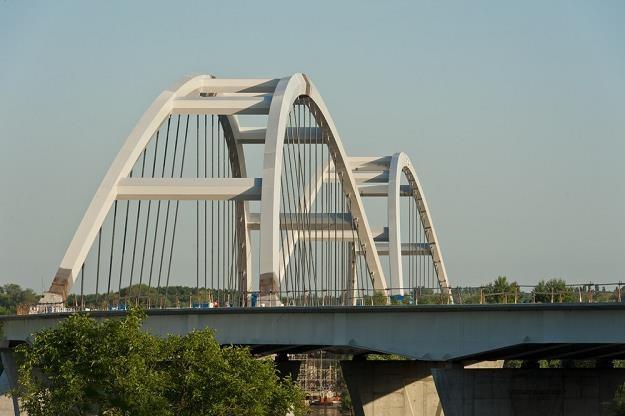 Nowy most w Toruniu / Fot: Piotr Lampkowski /Reporter