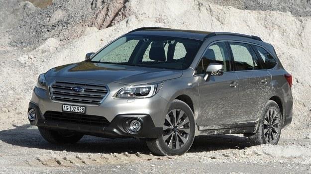 Nowy Outback ma bardziej dynamiczne proporcje od poprzednika, a detale jego stylizacji nawiązują do prototypowych Subaru. Opór powietrza zmniejszono o 3 proc. /Subaru