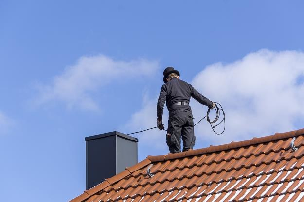 Nowy system będzie batem na tych, którzy nie robią przeglądów kominowych /©123RF/PICSEL