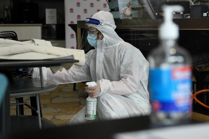 Nowy wariant koronawirusa odkryto w RPA. Zdjęcie ilustracyjne /BIANCA DE MARCHI /PAP/EPA