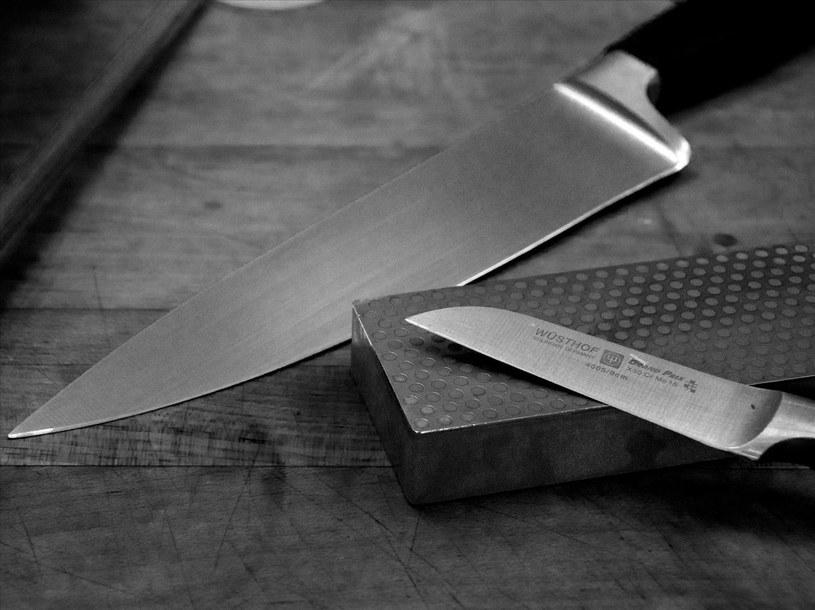 nóż ostrzenie /© Photogenica