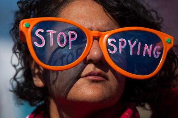 NSA zbiera dane o użytkownikach smartfonów na całym świecie /AFP