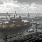 """""""Nuklearny Titanic"""". Pierwsza pływająca elektrownia atomowa holowana przez Bałtyk"""
