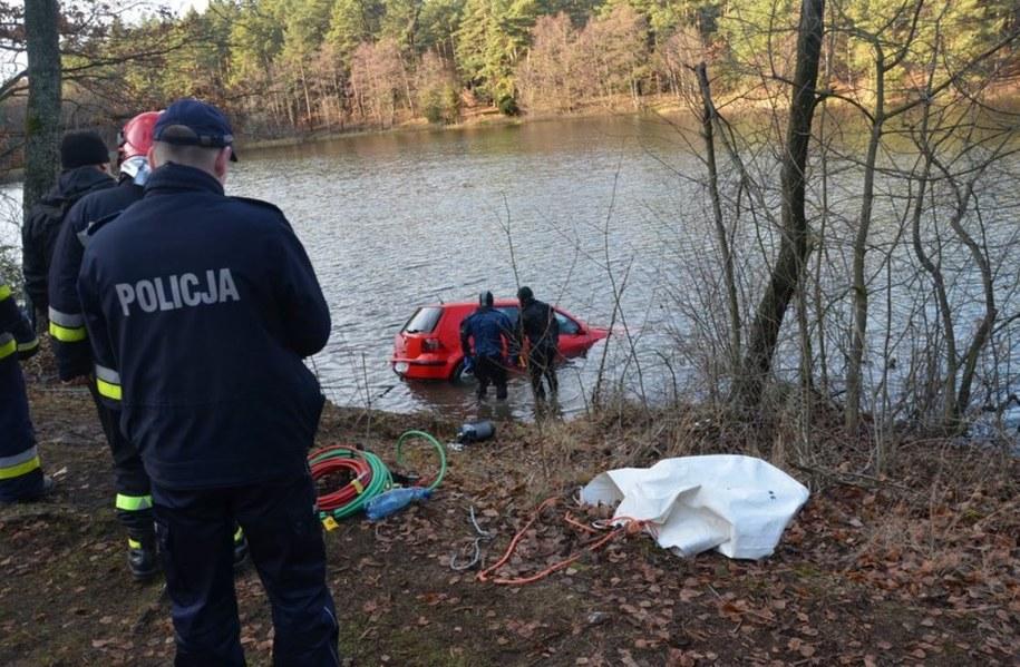 Nurkowie wyłowili samochód, w którym znajdowało się ciało zaginionej Roksany /Komenda Powiatowa Policji w Starogardzie Gdańskim /Policja