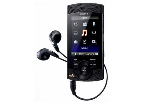 NWZ-S544. Ciekawy Walkman, ale najlepiej niech zainteresują się nim osoby nie lubiące słuchawek /materiały prasowe