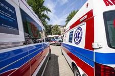 """<a href=""""https://wydarzenia.interia.pl/raporty/raport-koronawirus-chiny/polska/news-nysa-zakazony-pacjent-zmarl-w-karetce-prokuratura-wszczela-s,nId,4790834"""">Nysa: Zakażony pacjent zmarł w karetce. Prokuratura wszczęła śledztwo</a> thumbnail  Koronawirus. Holandia przywraca powrót do częściowego lockdownu 000AJBF9UMNDYOLX C307"""