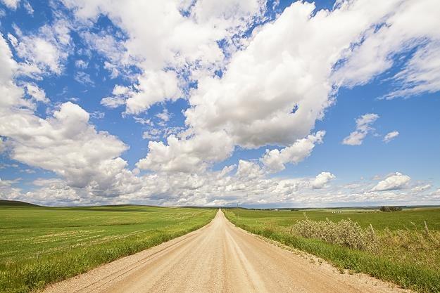 O 60 proc. wzrośnie liczba osób korzystających z aut na wsi /AFP