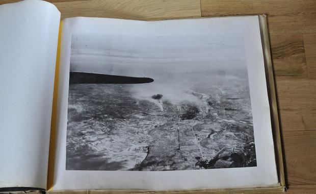 O bezcennych fotografiach z akcji Amerykanów nad walczącą Warszawą