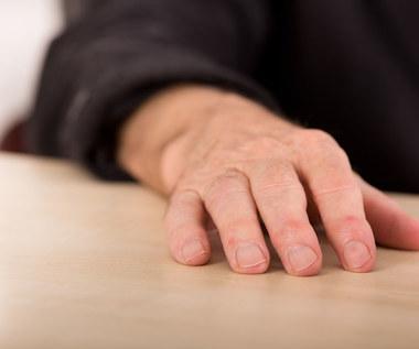 O czym świadczą pałeczkowate palce?
