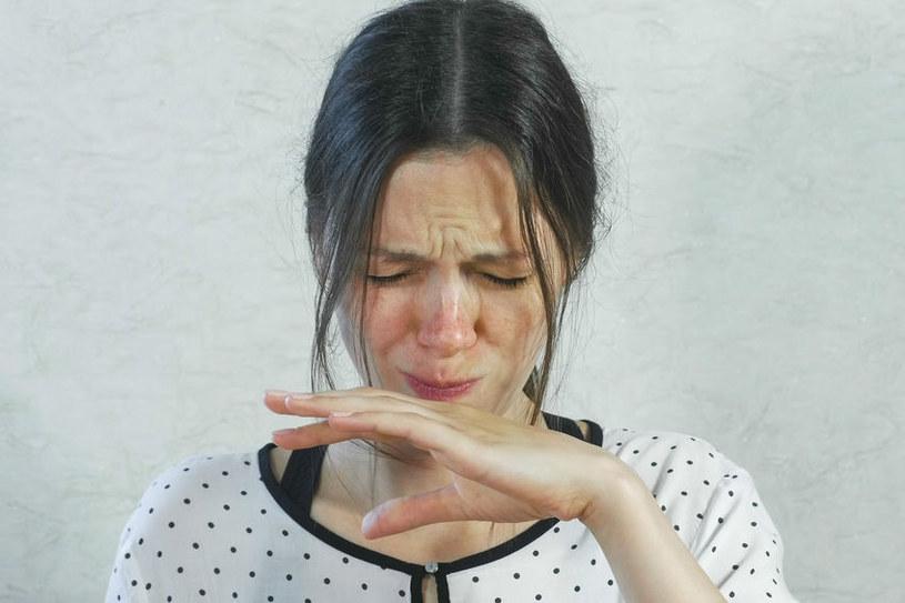 O czym świadczy nieprzyjemny posmak w ustach? /©123RF/PICSEL