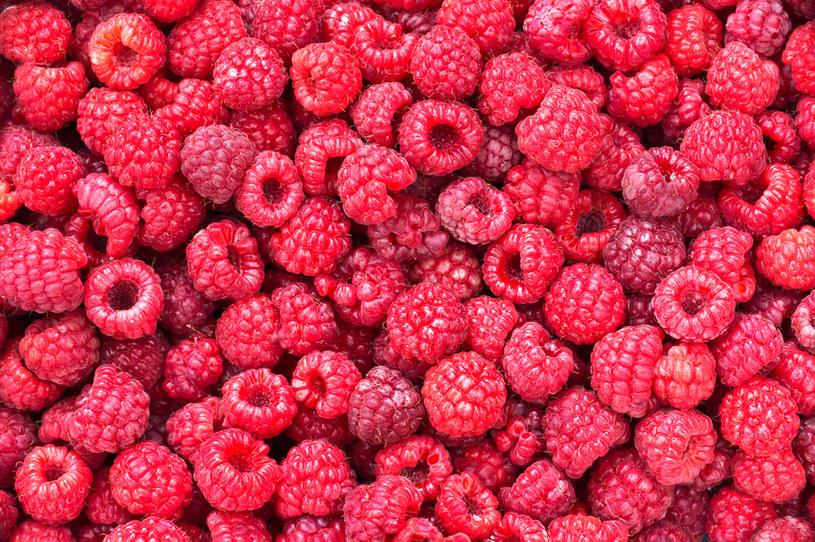 O ile najzdrowsze owoce zjemy w sezonie, o tyle napar z suszu liście malin możemy przyrządzać przez cały rok! /123RF/PICSEL