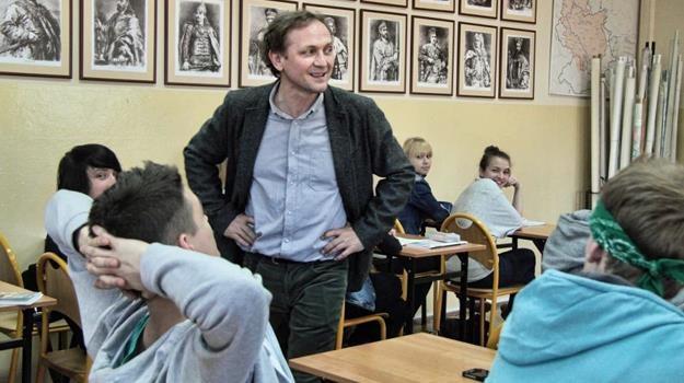 """""""O kapitanie, mój kapitanie""""? Andrzej Chyra w scenie z """"Carte Blanche"""" /materiały dystrybutora"""