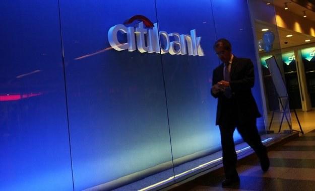 O kredycie hipotecznym przypominają także w Banku Citi Handlowym /AFP