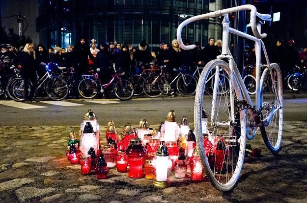 O oświetleniu trzeba pamiętać dla własnego bezpieczeństwa / Fot: Jacek Trublajewicz /Reporter