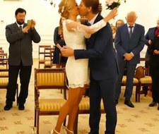 O ślubie polskich gwiazd mało kto wiedział. Jest od niego sporo młodsza!