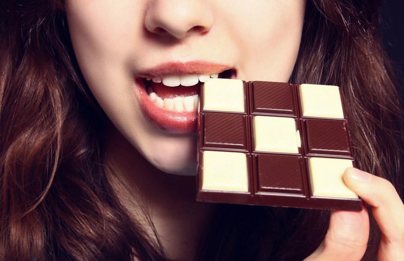 O tym, że czekolada jest najlepszym lekiem na chandrę wiadomo nie od dziś /123RF/PICSEL
