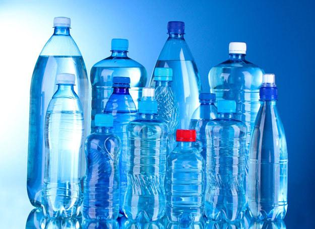 O walorach zdrowotnych danej wody decyduje ilość i rodzaj soli mineralnych /123RF/PICSEL
