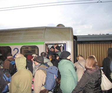 O wejście do pociągu trzeba dziś zawalczyć