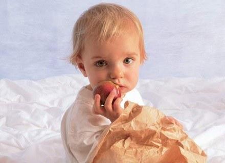 O wyborze pożywienia dla dziecka decyduje mama /INTERIA.PL
