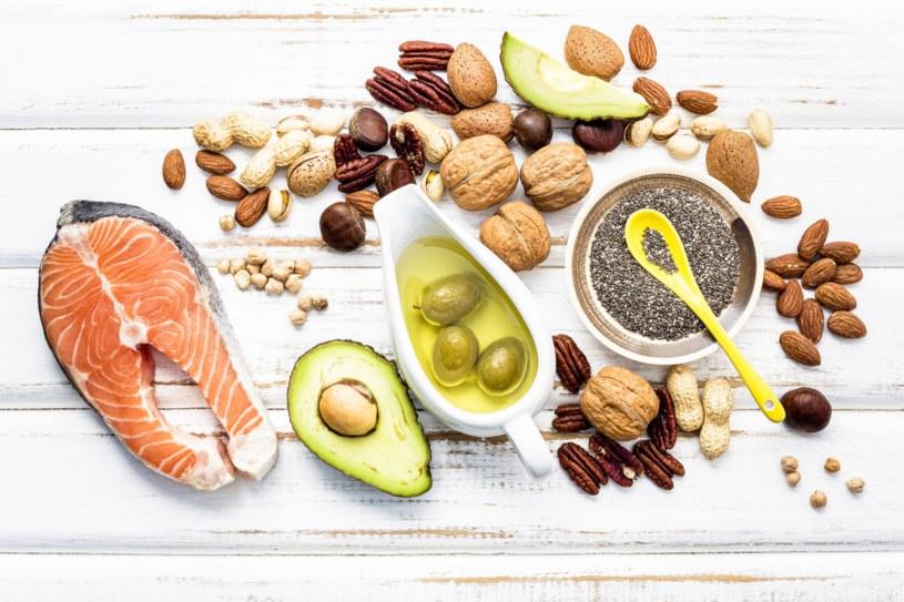 O zdrowie warto zadbać zmieniając nawyki żywieniowe /123RF/PICSEL