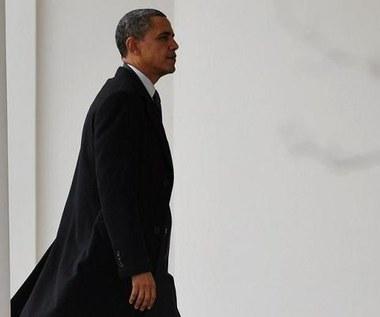 Obama zagrzmiał. Grozi Kadafiemu