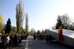 Obchody 7. rocznicy katastrofy smoleńskiej na Cmentarzu Powązkowskim w Warszawie