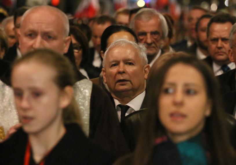 Obchody 7. rocznicy katastrofy smoleńskiej - prezes PiS Jarosław Kaczyński wśród uczestników Marszu Pamięci /Paweł Supernak /PAP