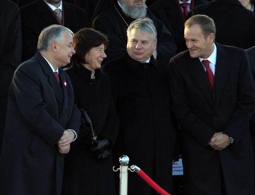 Obchody Święta Niepodległości w 2008 r., na zdjęciu:  Lech i Maria Kaczyńscy, Bogdan Borusewicz i Donald Tusk /Bartosz Krupa /East News