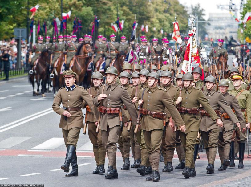 Obchody z okazji Święta Wojska Polskiego /Andrzej Iwańczuk /Reporter