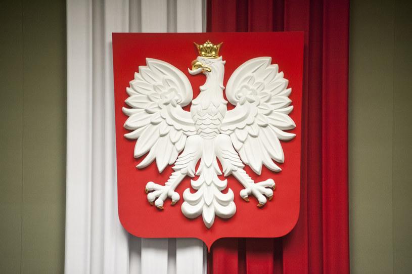 Obecne godło Polski w sali plenarnej w Sejmie. Zdj. ilustracyjne /Filip Blazejowski /Agencja FORUM