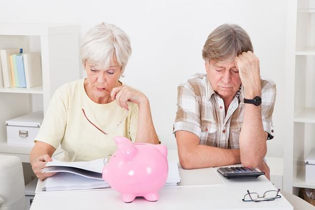 Obecni emeryci, którzy chcą mieć świadczenia przeliczone na nowo, mogą składać wnioski do ZUS /©123RF/PICSEL