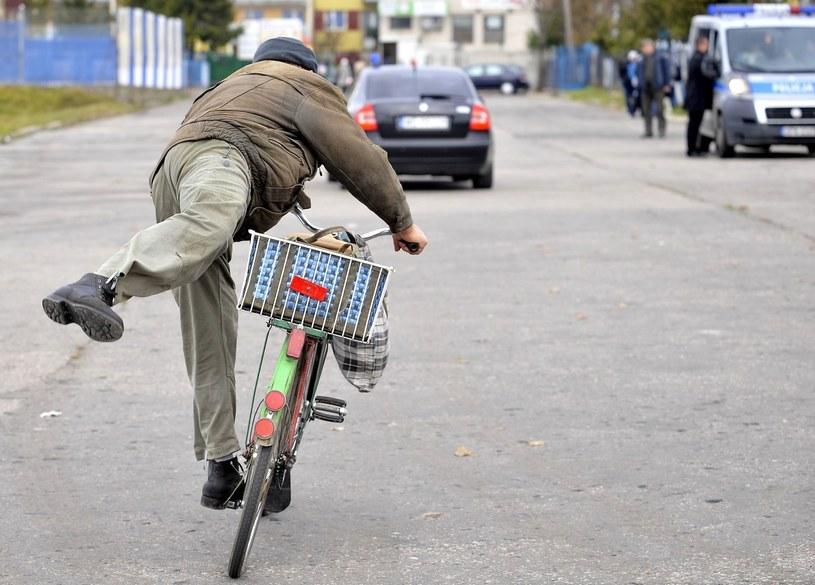 Obecnie kary za jazdę rowerem pod wpływem alkoholu są znacznie niższe, niż kilka lat temu /Witold Rozbicki /Reporter