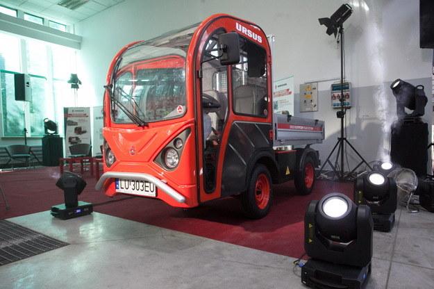 Obecnie najbardziej zaawansowanym polskim projektem jest wyglądający jak wózek akumulatorowy prototyp Ursusa /Wojciech Pacewicz /PAP