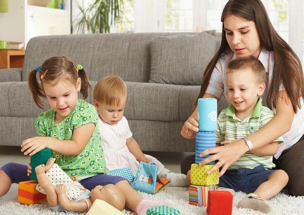 Obecnie samozatrudnieni i zleceniobiorcy nie mogą korzystać z urlopu wychowawczego /123RF/PICSEL
