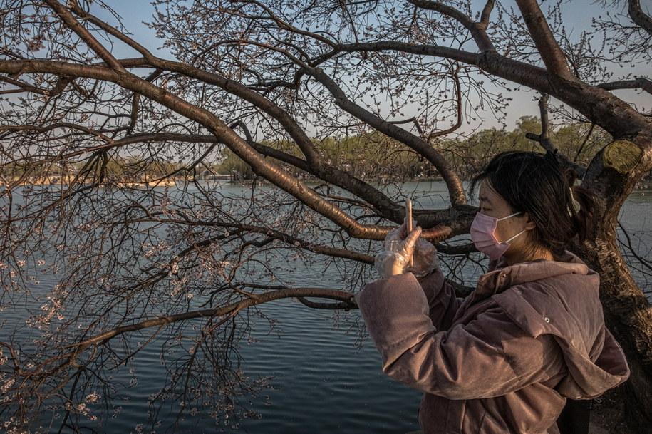 Obecnie w Chinach jest ponad 5 tys. osób z potwierdzonym zakażeniem koronawirusem /ROMAN PILIPEY /PAP/EPA