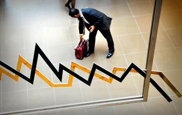 Obecny poziom inflacji może być groźny dla gospodarki /AFP