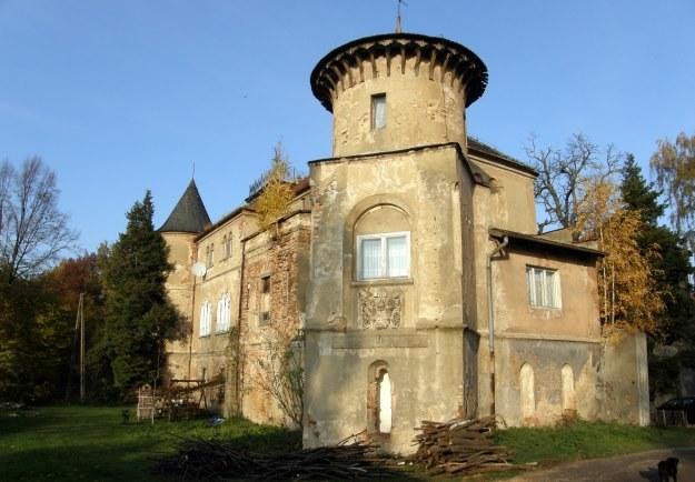 Obecny stan pałacu w Łomnicy pozostawia wiele do życzenia /autor /Odkrywca
