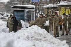 Obfite opady śniegu na Ukrainie