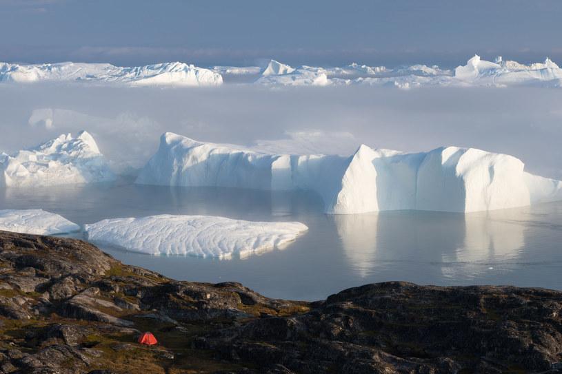 Obfity deszcz nad Grenlandią zadziwił i zaniepokoił ekologów /123RF/PICSEL