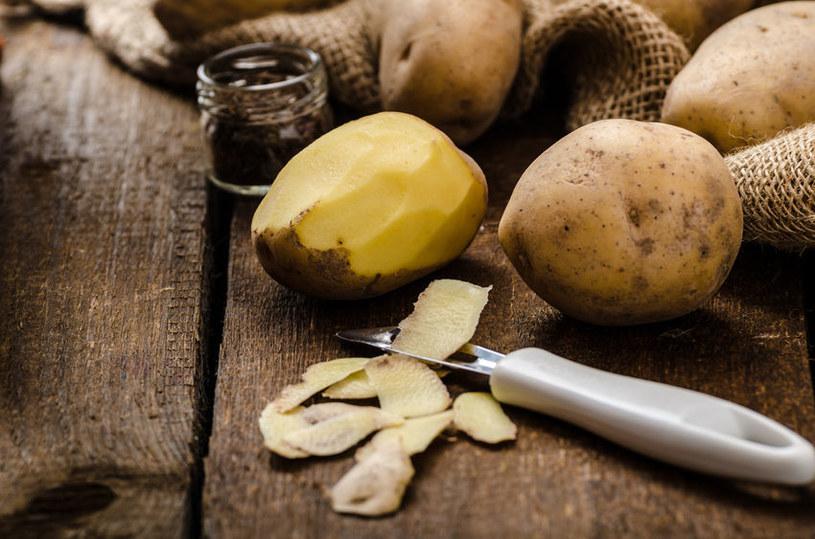 Obierki ziemniaków /©123RF/PICSEL