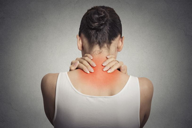 Objawy fibromialgii /©123RF/PICSEL