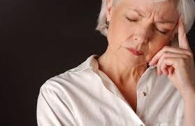 Objawy menopauzy /© Photogenica