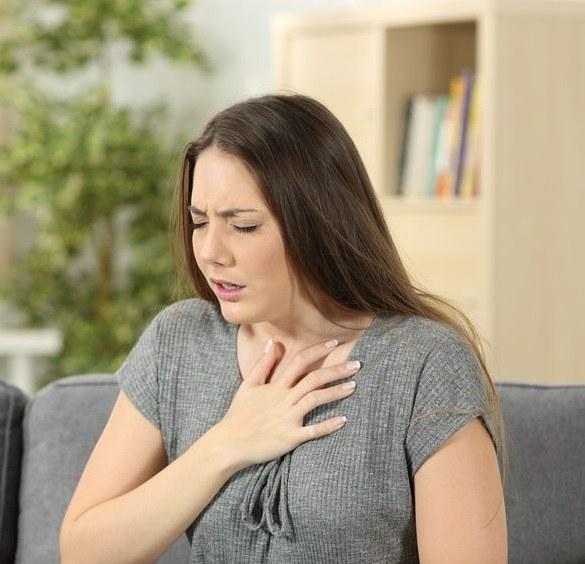 Objawy nadciśnienia płucnego /©123RF/PICSEL