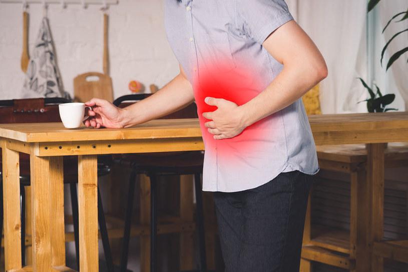 Objawy nieżytu żołądka /©123RF/PICSEL
