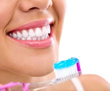 Objawy raka jamy ustnej. Kto znajduje się w grupie ryzyka?