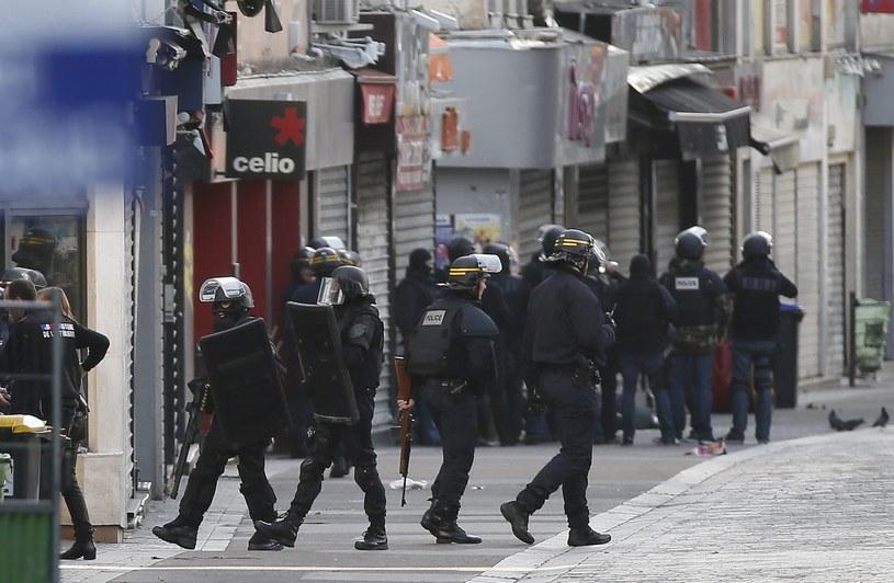 Obława w Saint-Denis /AN LANGSDON /PAP/EPA